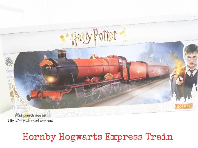 Harry potter top 10 christmas in the wizarding world hornby hogwarts express