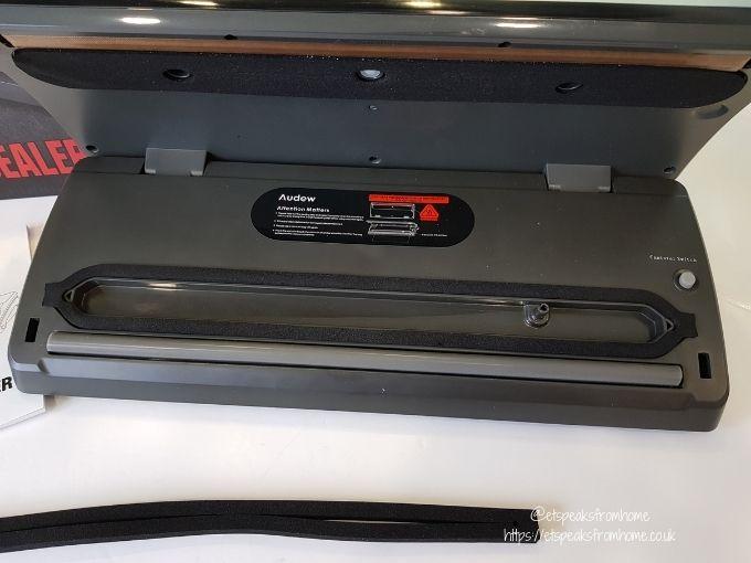 Audew Vacuum Sealer inside