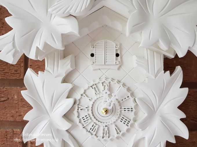 German Cuckoo Clock Quartz-movement black forest cuckoo clock by Trenkle Uhren face