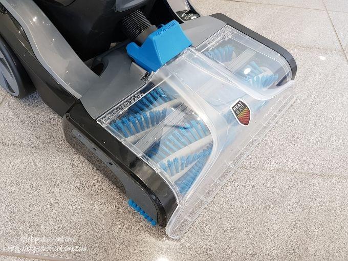 VAX Platinum SmartWash Carpet Washer brush