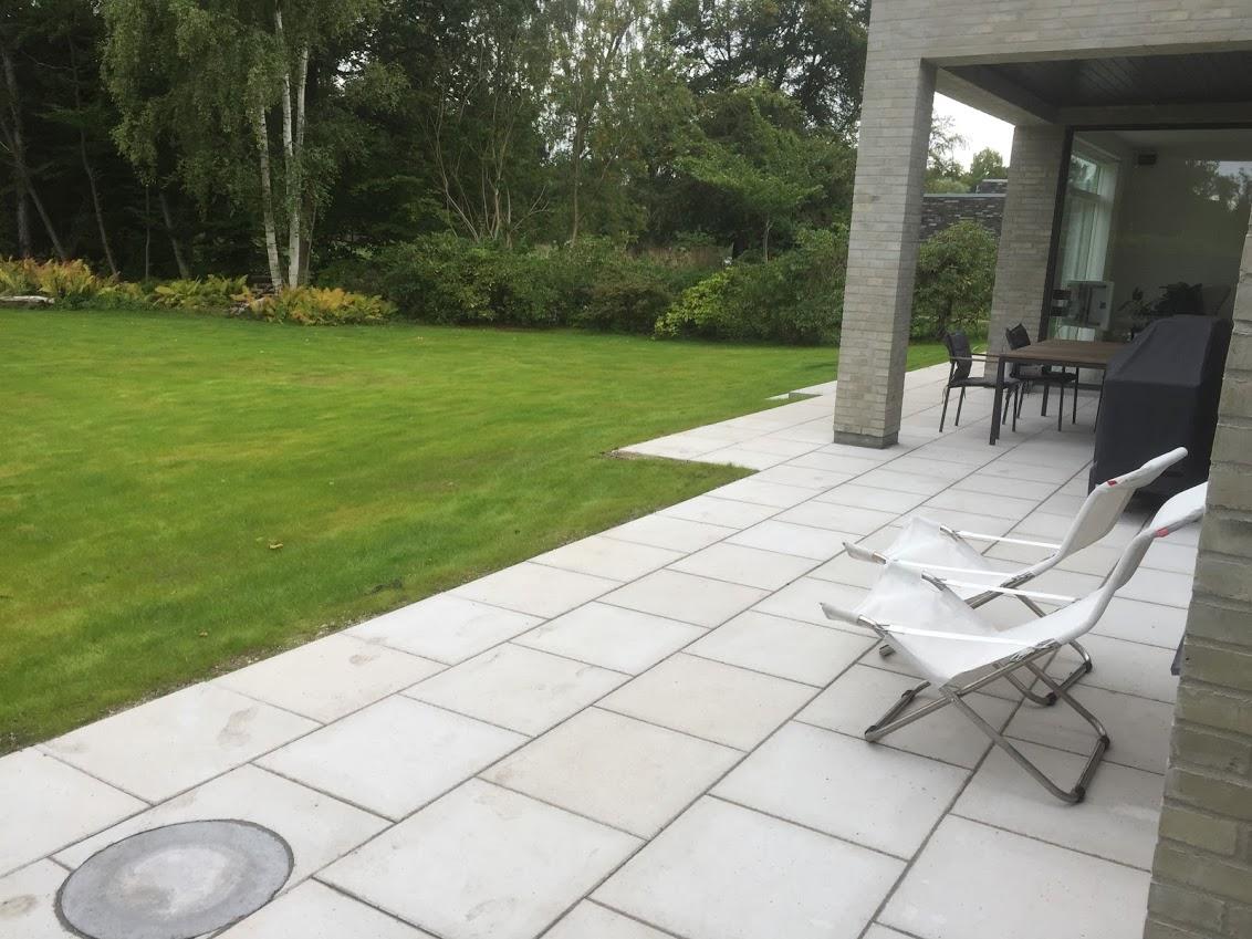 Ny have med fliser fra Farumbeton