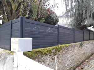 Occultant ALU sur clôture mur ancien