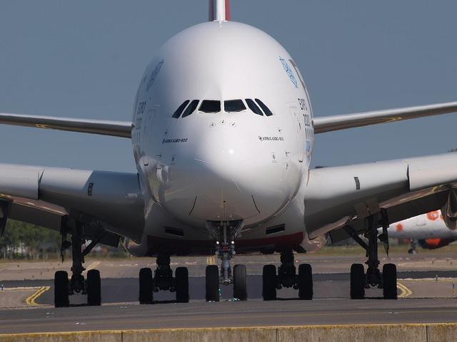 Emirates fliegt demnächst mit einem A380 nach Hamburg