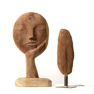Statue plume bois Etxe Mia!