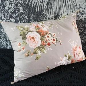 coussin imprimé floral gris Etxe Mia!