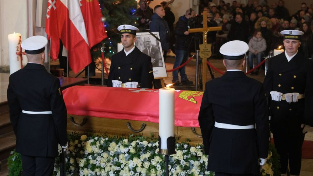 Funeral of Pawel Adamowicz, former mayor of Gdansk, who was stabbed while on stage at a charity event in Gdansk on Sunday, January 13, and died the following day.