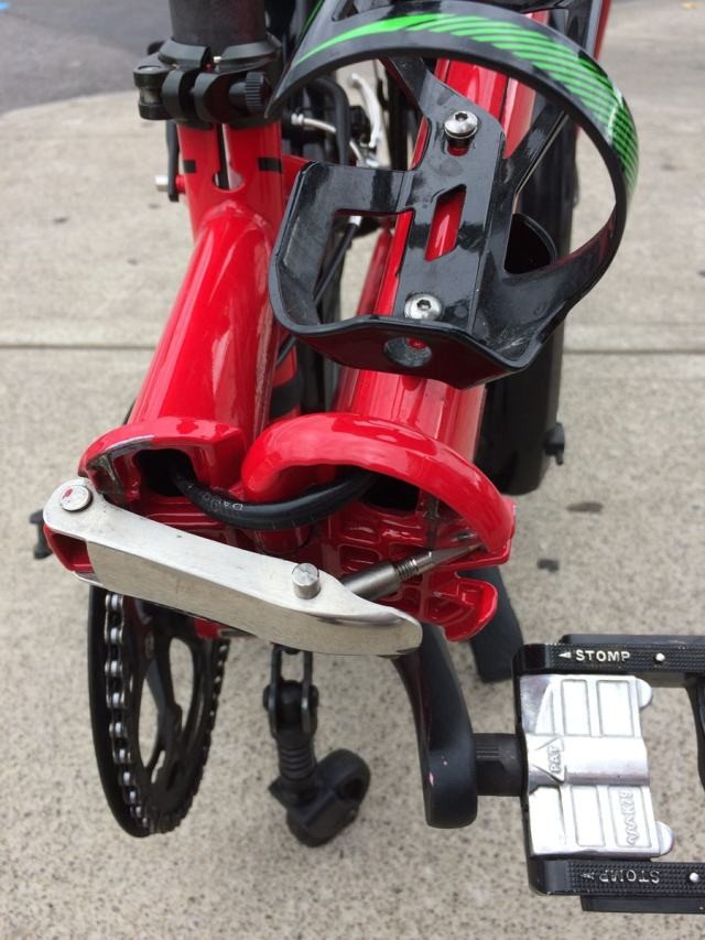 Folding Bikes by DAHON | Frame hinge open on DAHON Speed ...
