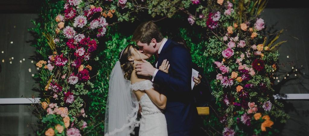 Casamento moderno no Iate Clube do Rio de Janeiro - foto Thay Rabello - 400 abre