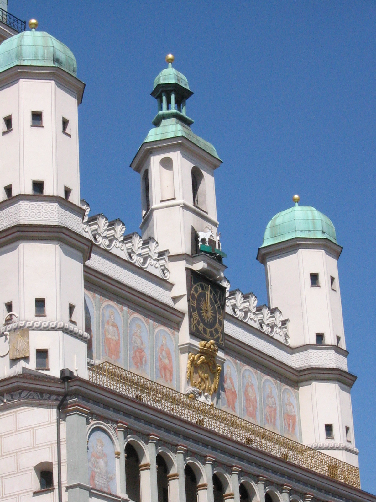 正午のポズナン旧市庁舎時計台