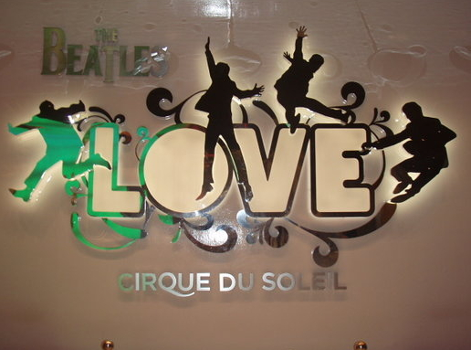 las_vegas-show_beatles_love-logo