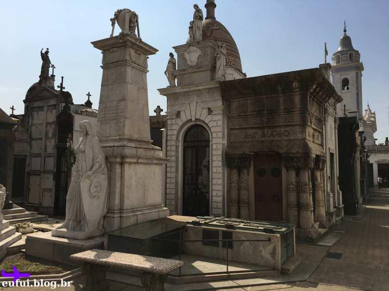 cemitério da recoleta buenos aires argentina tumulos