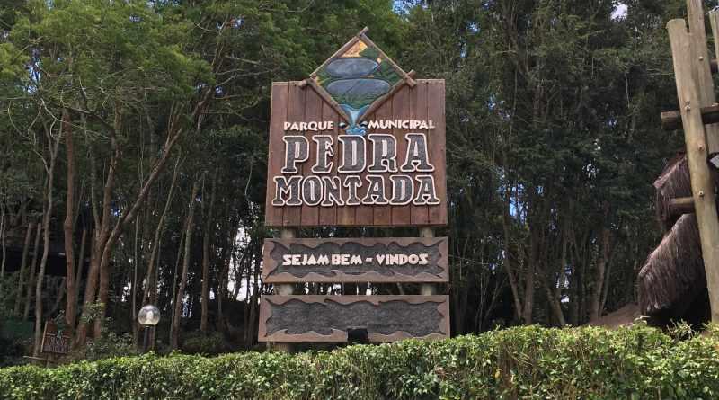 Parque Municipal Pedra Montada em Guararema - Placa