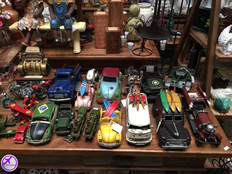 Carros e Artesanato em Embu das Artes - São Paulo