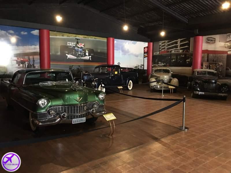 Carros antigos no Museu do Automóvel de Curitiba - Paraná