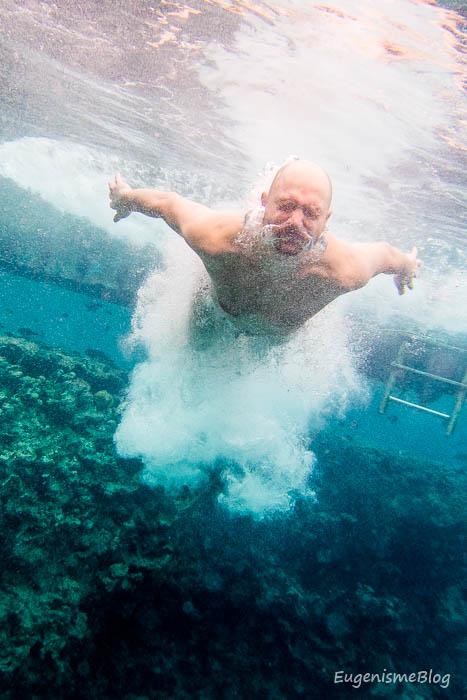 Saritura in apa