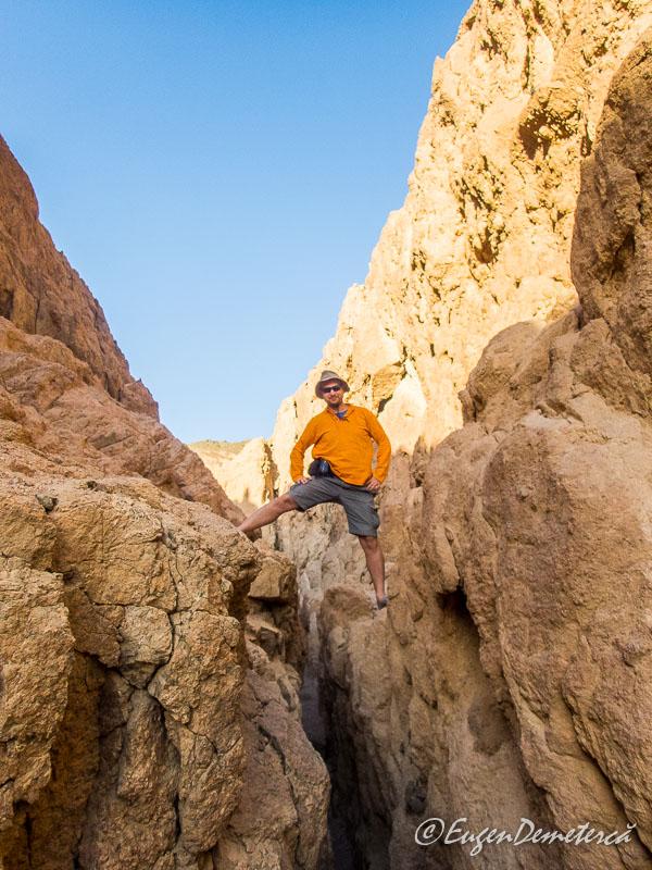 Calare pe Colored Canyon - Egipt, destinaţia pentru vacanţe exotice la super-preţuri!