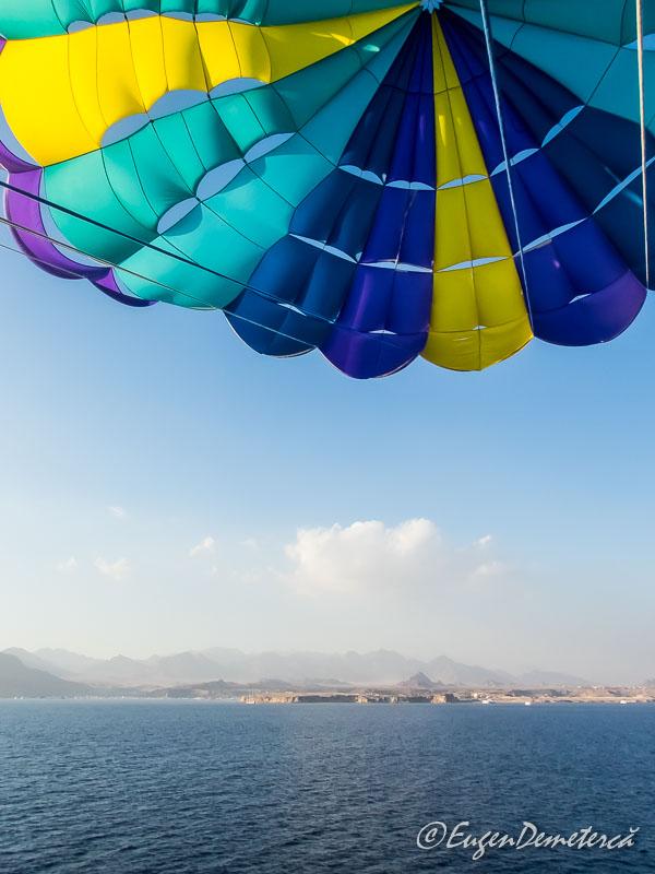 Parasailing3 - Egipt, destinaţia pentru vacanţe exotice la super-preţuri!