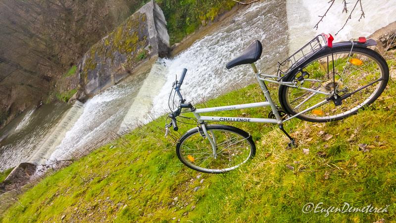 Bicicleta cu cascada la Savarsin - Paştele Regal la Săvârşin