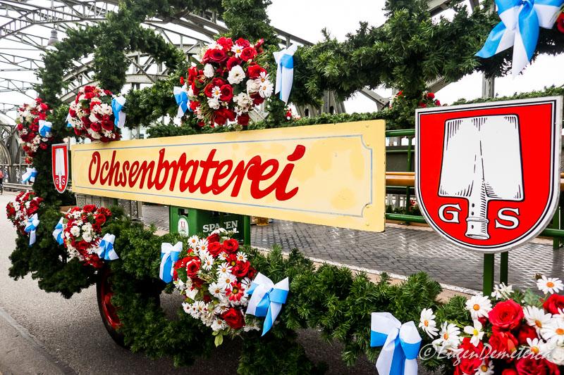 Oktoberfest - parada carelor si berariilor 2