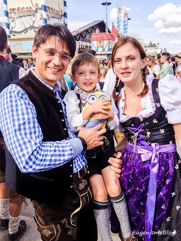 Adi si Larisa in costume bavareze