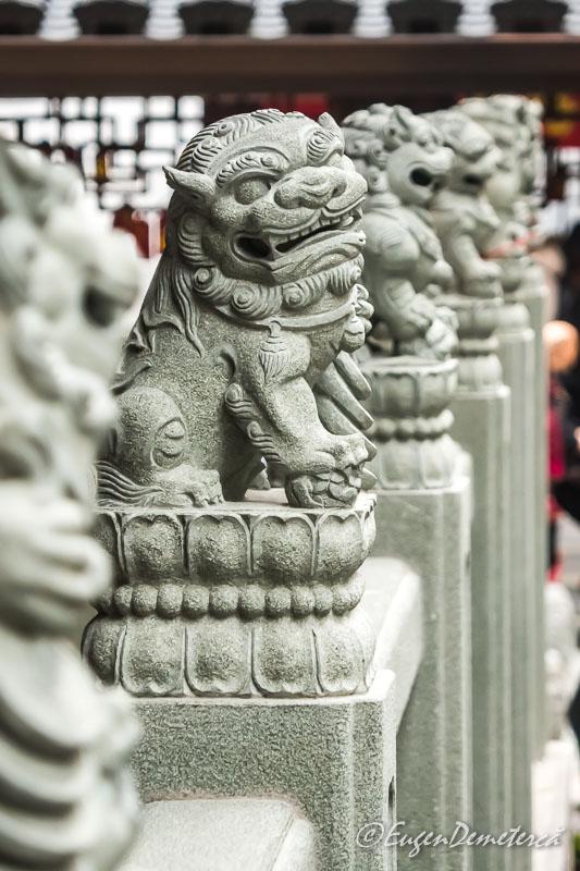 Shanghai - leu de piatra la Templul lui Buddha de Jad