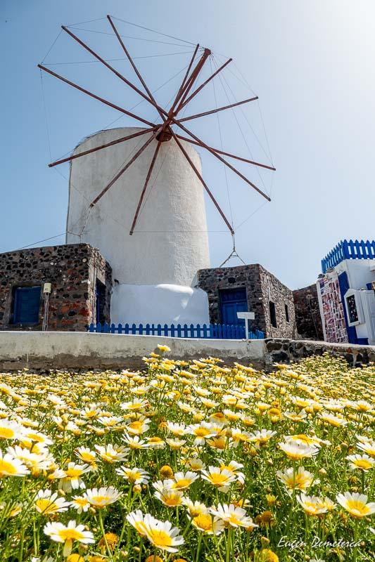 Moara de vant in Santorini