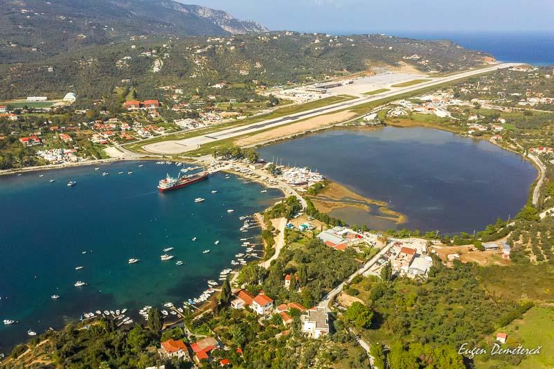 Portul si aeroportul din Skiathos