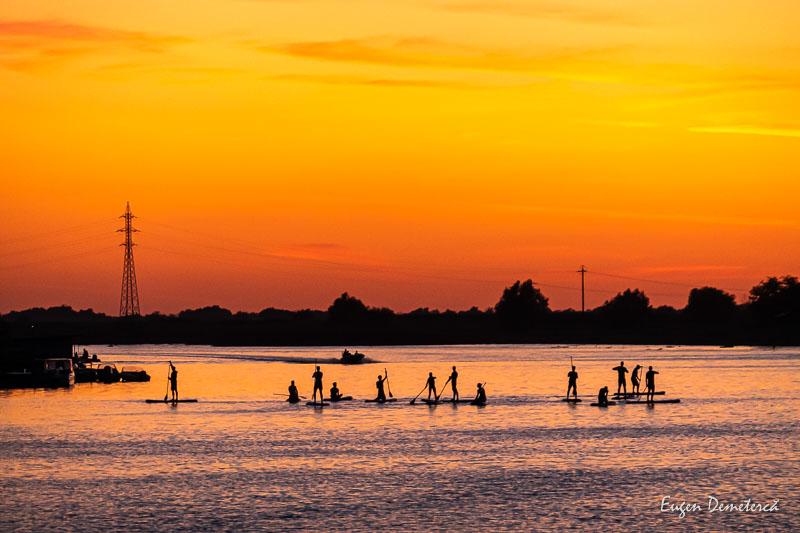 1034985 - Caiace cu tatuaje prin Delta Dunării