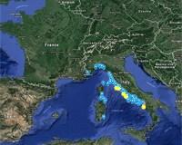 Solving the Italian beach litter mystery
