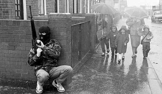 Foto del día: Irlanda del Norte en los 1980 en una imagen