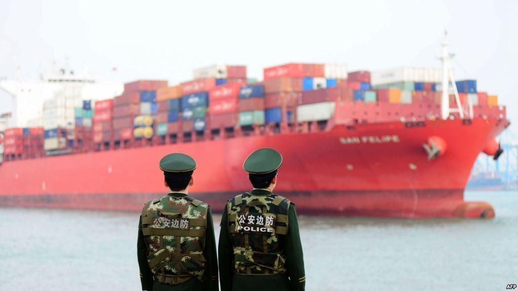"""China acusa a EEUU """"de intimidar a otros países"""". Nuevo capítulo de la guerra comercial"""
