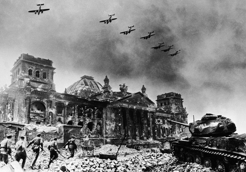 FOTO DEL DÍA: SE CUMPLEN 74 AÑOS DEL COMIENZO DE LA BATALLA DE BERLÍN