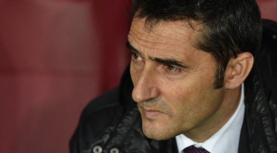 TURIN, ITALY - FEBRUARY 19: Athletic Club head coach Ernesto Valverde looks on during the UEFA Europa League Round of 32 match between Torino FC and Athletic Club on February 19, 2015 in Turin, Italy. (Photo by Valerio Pennicino/Getty Images)