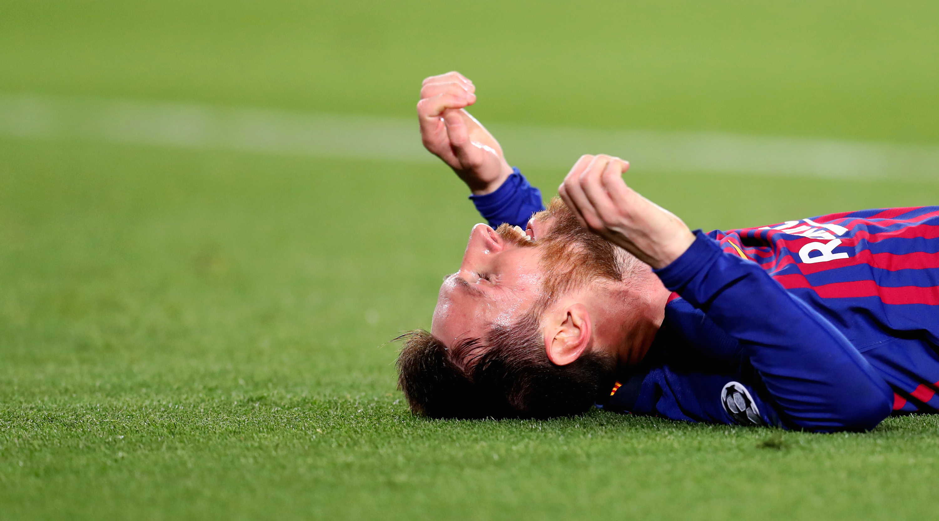 BARCELONA, SPAIN - MAY 01: Lionel Messi reacts on the final whistle3 during the UEFA Champions League Semi Final first leg match between Barcelona and Liverpool at the Nou Camp on May 01, 2019 in Barcelona, Spain. (Photo by Catherine Ivill/Getty Images)