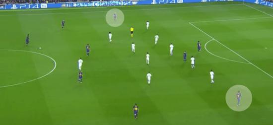 - De inicio, el Barça buscó las esquinas en ataque con Dembélé por banda derecha e Iniesta por banda izquierda. -