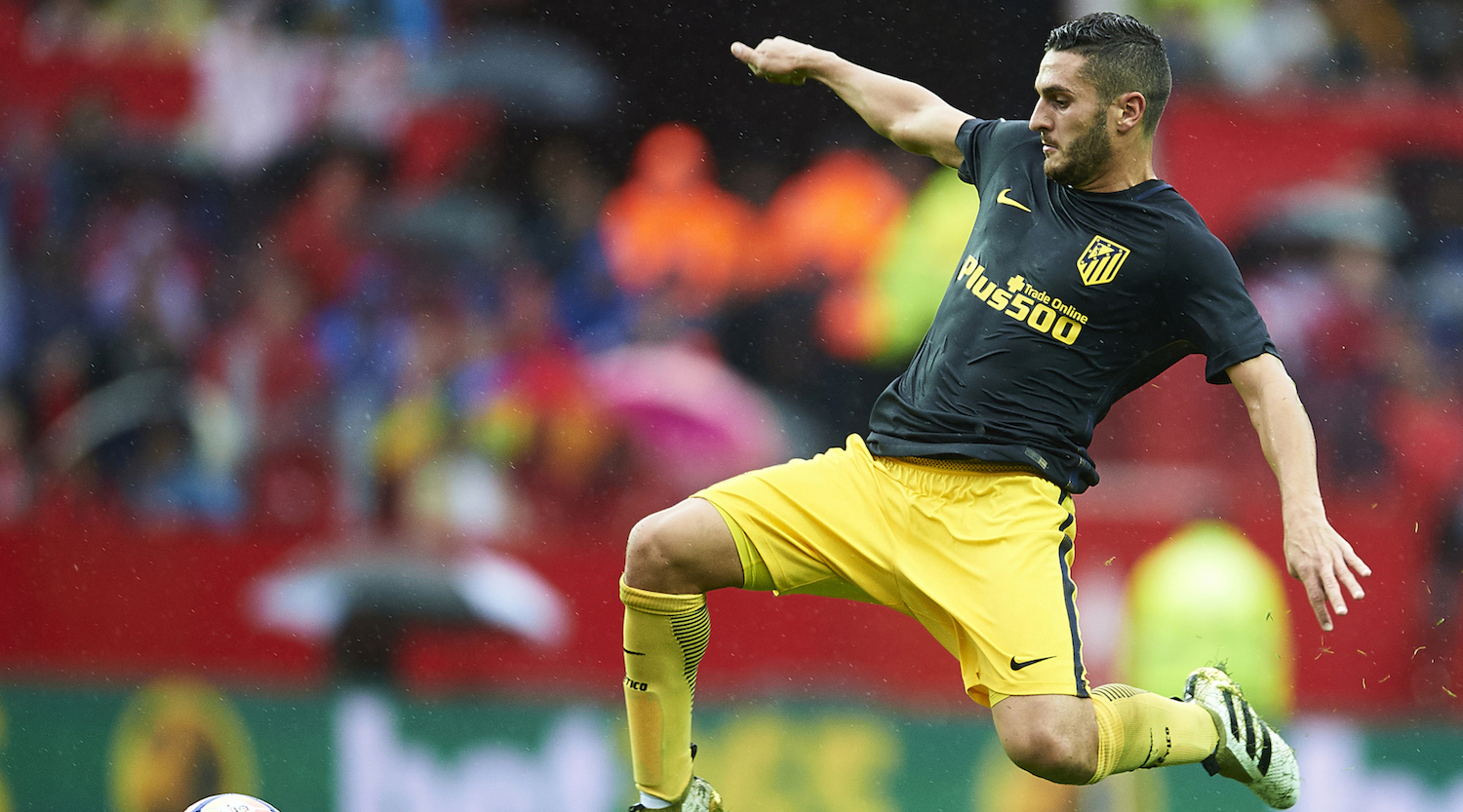 SEVILLE, SPAIN - OCTOBER 23: Koke Resurreccion of Club Atletico de Madrid in action on during the match between Sevilla FC vs Club Atletico de Madrid as part of La Liga at Estadio Ramon Sanchez Pizjuanon October 23, 2016 in Seville, Spain. (Photo by Aitor Alcalde/Getty Images)