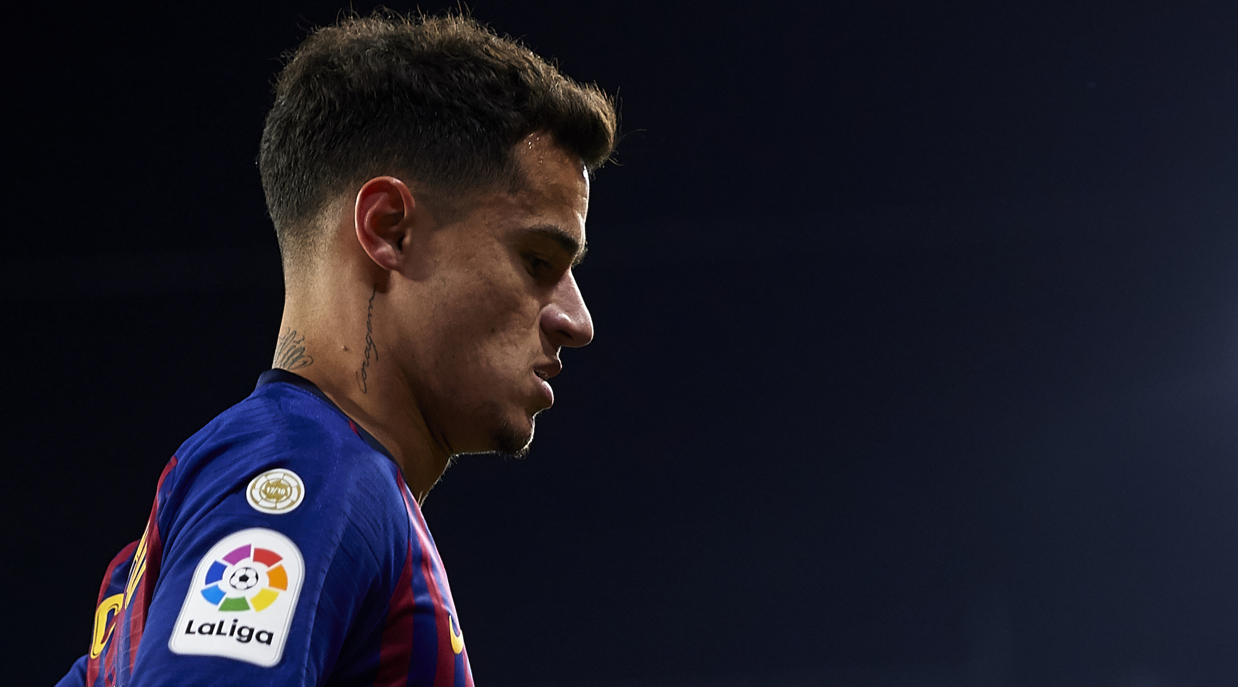 SEVILLE, SPAIN - JANUARY 23: Philippe Coutinho of FC Barcelona looks on during the Copa del Quarter Final match between Sevilla FC and FC Barcelona at Estadio Ramon Sanchez Pizjuan on January 23, 2019 in Seville, Spain. (Photo by Aitor Alcalde/Getty Images)