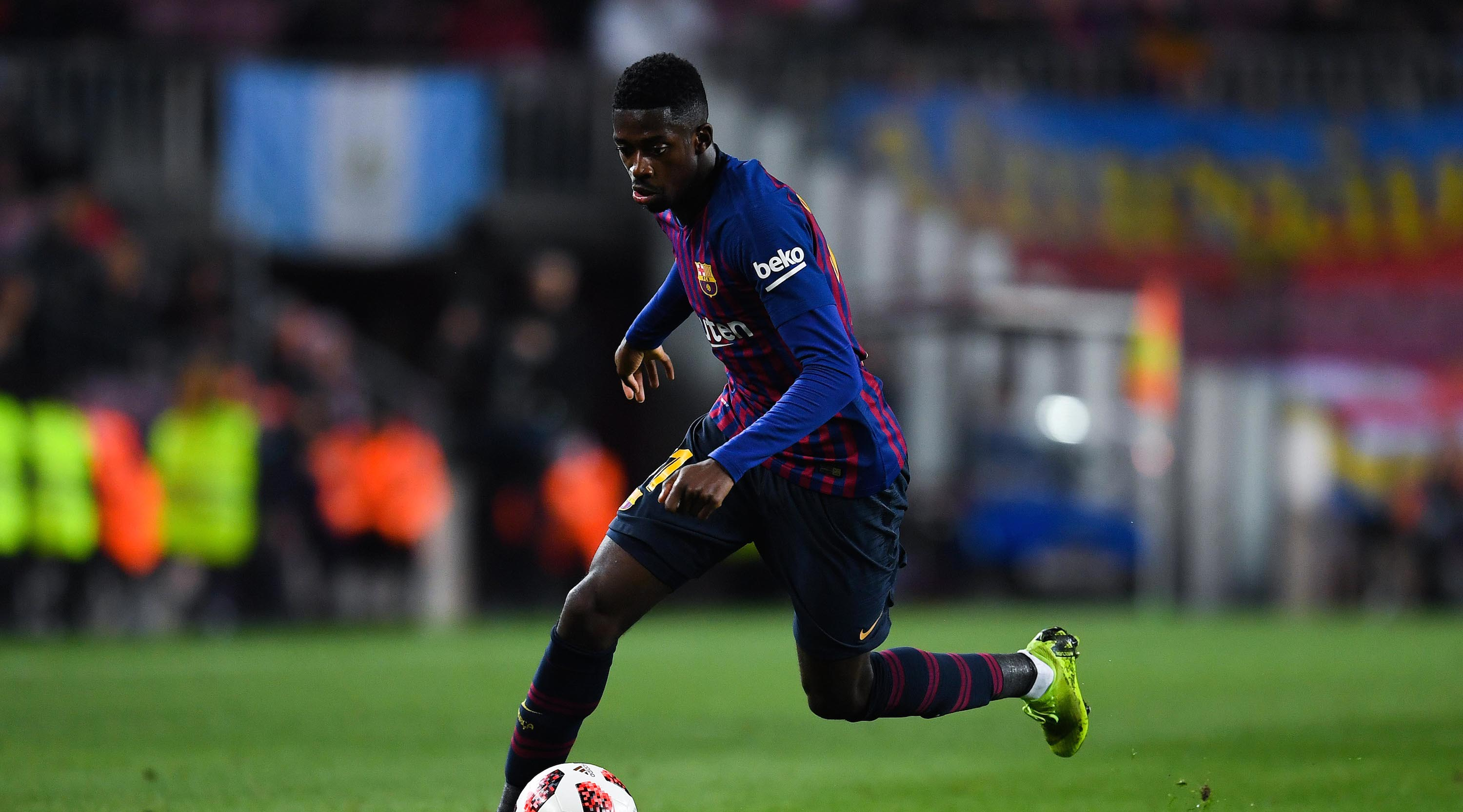 Ousmane Dembele of FC Barcelona runs with the ball during the Copa del Rey Round of 16 match between FC Barcelona and Levante at Camp Nou on January 17, 2019 in Barcelona, Spain. (Photo by David Ramos/Getty Images)