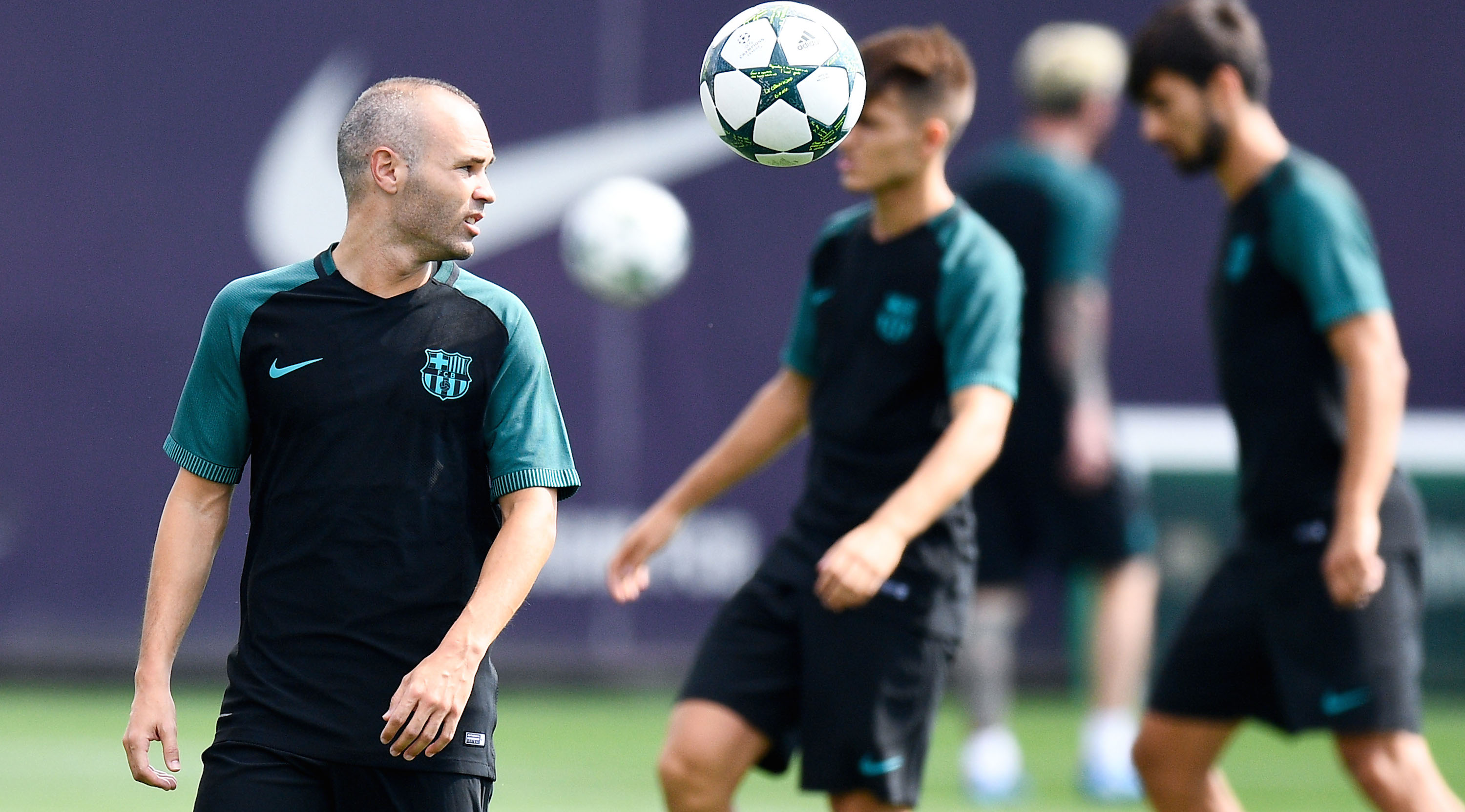BARCELONA, SPAIN - SEPTEMBER 12: Andres Iniesta of FC Barcelona juggles the ball during a training session ahead of their UEFA Champions League Group C match against Celtic FC at Ciutat Esportiva of Sant Joan Despi on September 12, 2016 in Barcelona, Spain. (Photo by David Ramos/Getty Images)