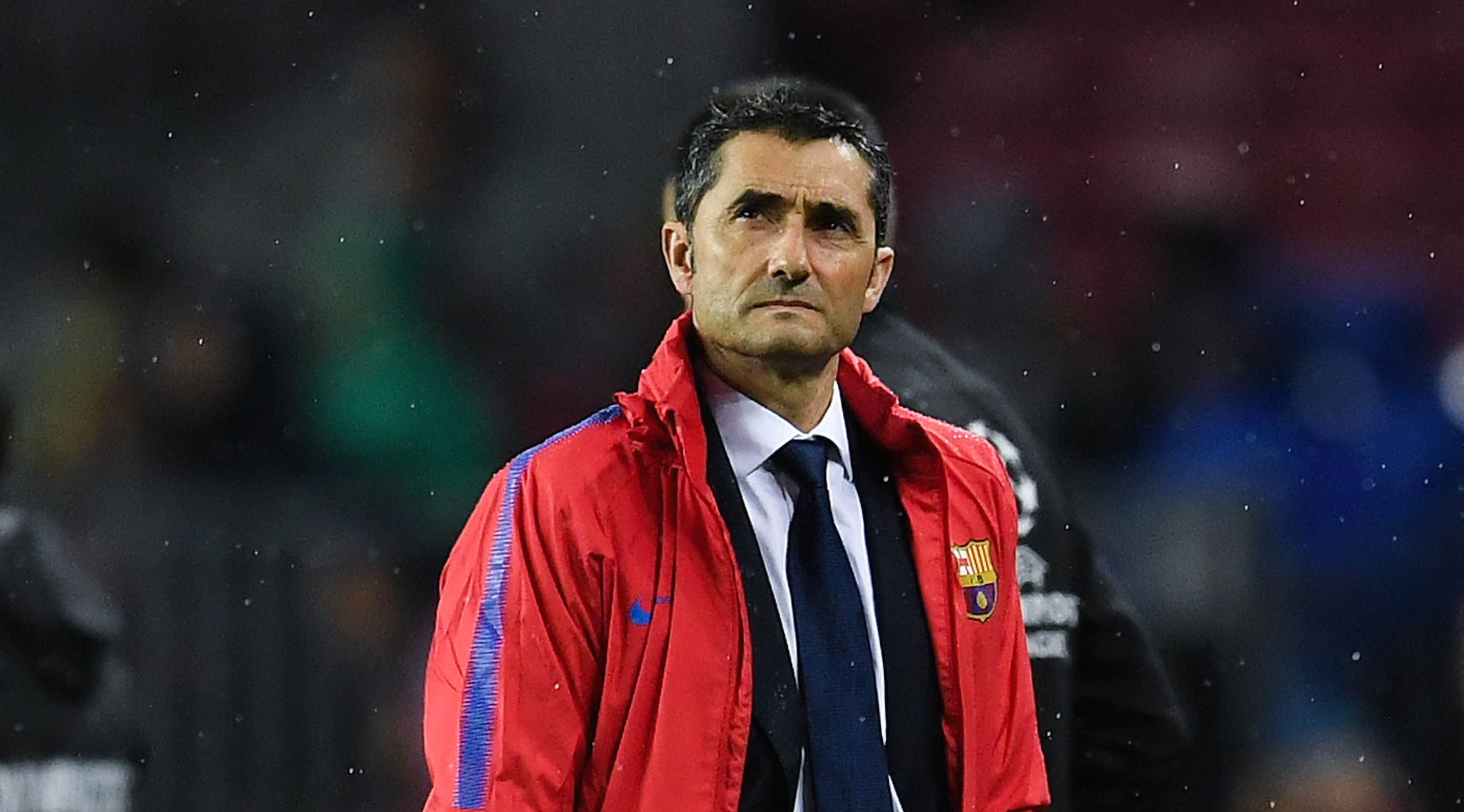 BARCELONA, SPAIN - OCTOBER 18: Head coach Ernesto Valverde of FC Barcelona during the UEFA Champions League group D match between FC Barcelona and Olympiakos Piraeus at Camp Nou on October 18, 2017 in Barcelona, Spain. (Photo by David Ramos/Getty Images)