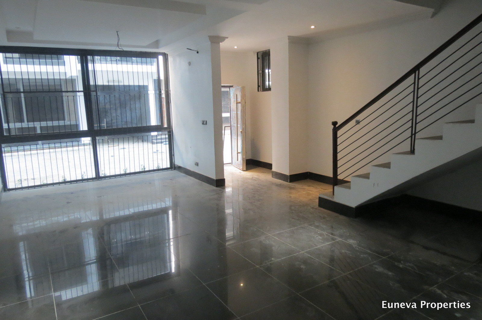 Luxury Finished 5 Bedroom Terrace House in Lekki phase 1 with Swimming Pool and GYM