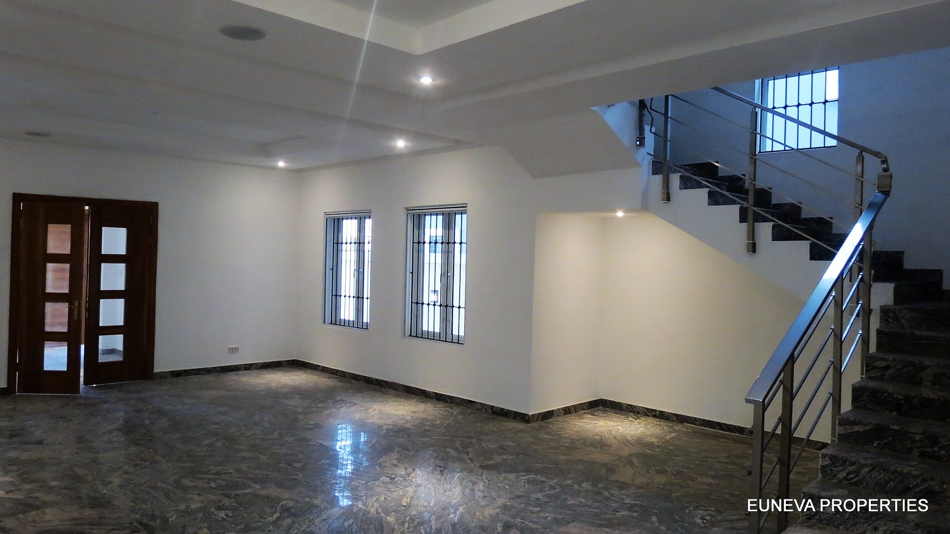Well Finished to Standard – 5 Bedroom Detached House in Lekki Phase 1
