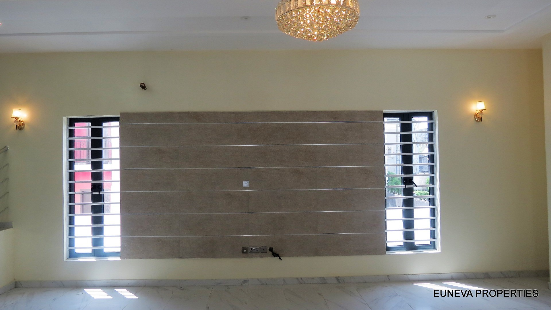 Awesome 5 Bedroom Fully Detached house in a Secured Estate in Lekki with Solar Panel