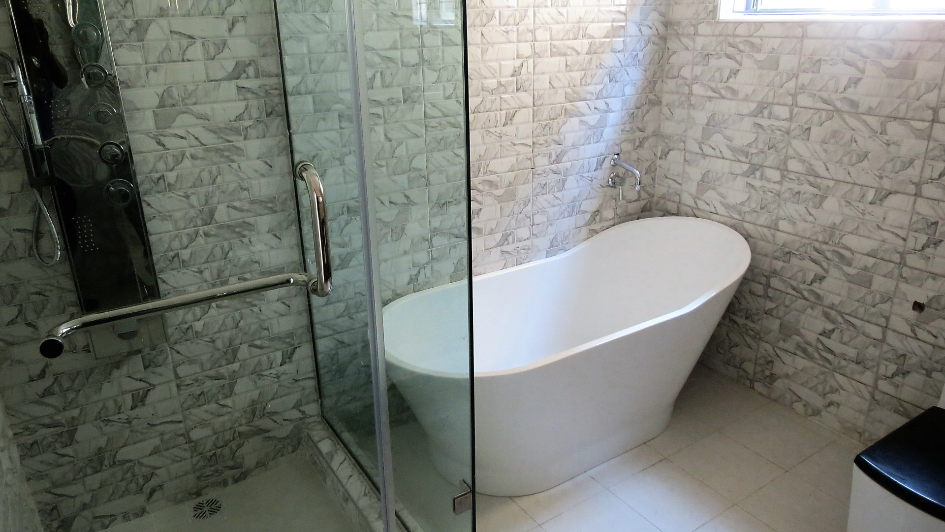 Modern 5 Bedroom Detached House in Lekki Phase1 with swimming pool
