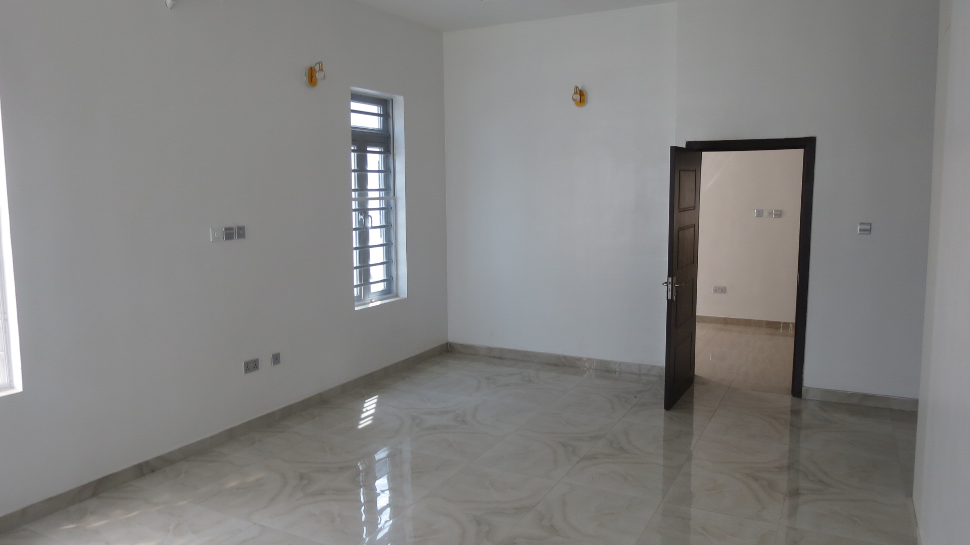 Well finished 4 Bedroom Semi Detached House with Fully Fitted Kitchen in a Gated Estate in Lekki