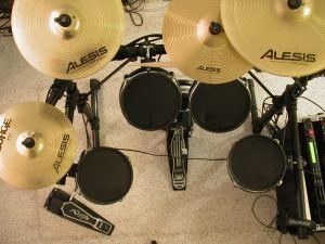 Alesis DM5-Pro & Yamaha drums