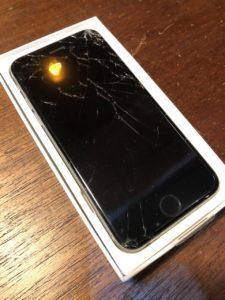 画面割れたiPhone6S