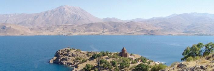 トルコのヴァン湖