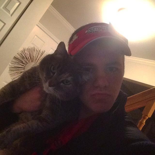 いっしょの男性と猫