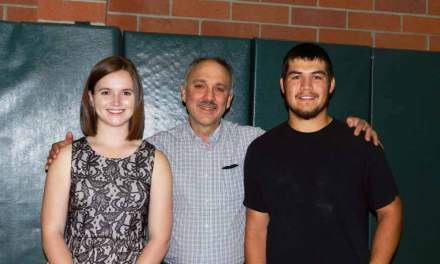 Graduating seniors awarded scholarship